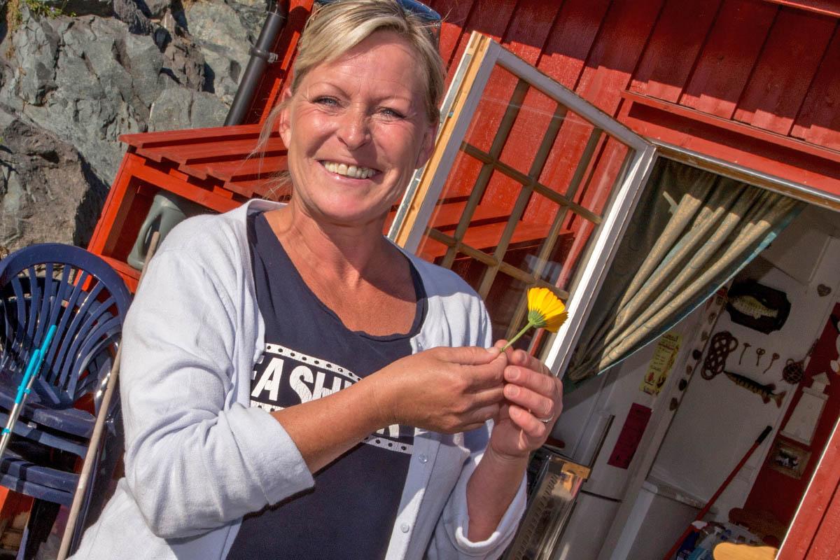 Rorbua Kafe/Pub Linesøya